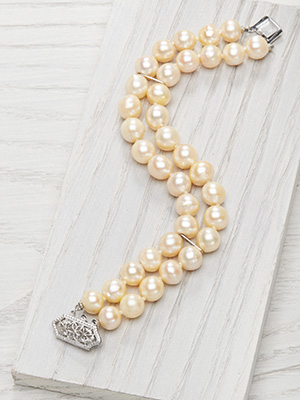 Double Strand Vintage Pearl Bracelet