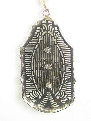 1930s Filigree Vintage Pendant