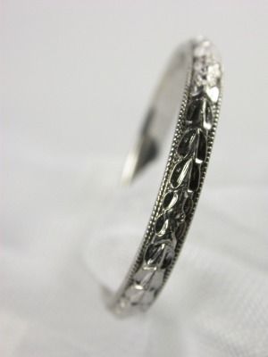 1930s Antique Carved Wedding Ring