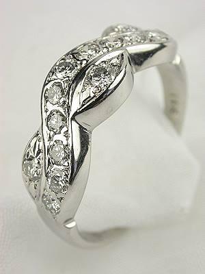 Vintage Retro Diamond Wedding Ring