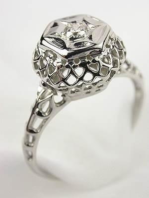 Engagment Ring with Lattice Filigree Design