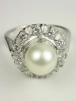 Vintage Retro Pearl Engagement Ring