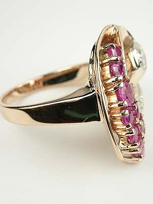 Vintage Retro Ring in Rose Gold with Rubies