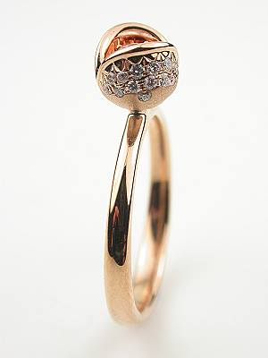 Vintage Style Ring with Rose Petal Motif