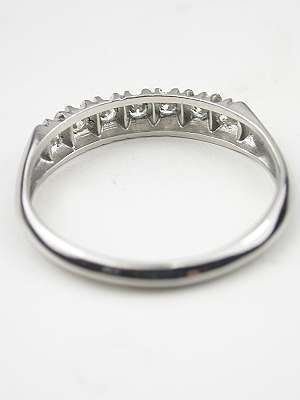 Antique Diamond Wedding Ring in Platinum
