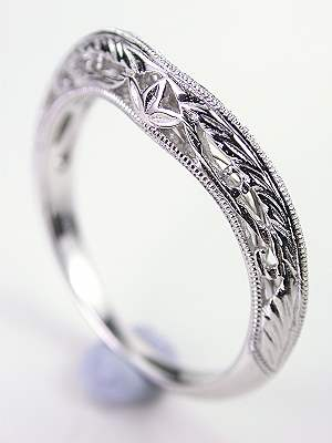 Vintage Style Wedding Ring with Leaf Motif