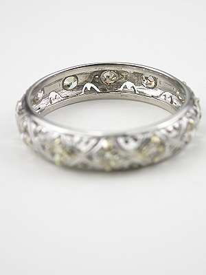 Vintage Wedding Ring with Hugs and Kisses