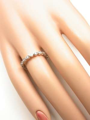 Antique Style Diamond Wedding Band