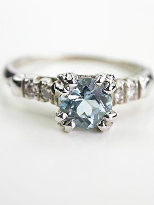Vintage Aquamarine Ring with Split Prong Design