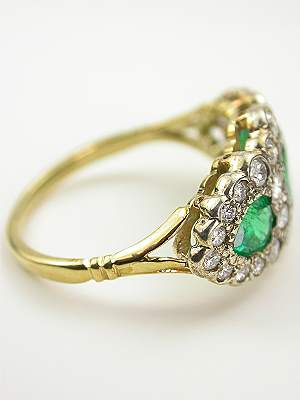 Antique Emerald Ring with Scalloped Design