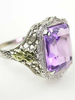 Antique Ring with Amethyst