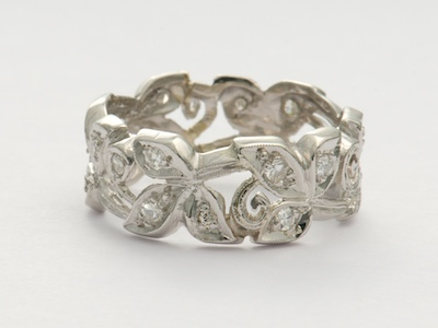 Retro Leaf and Scroll Vintage Wedding Ring