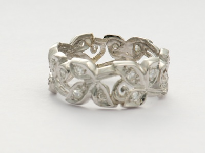 Retro Leaf and Scroll Wedding Band
