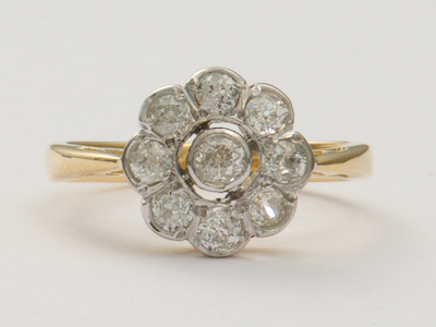 Vintage Engagement Ring with Scalloped Design